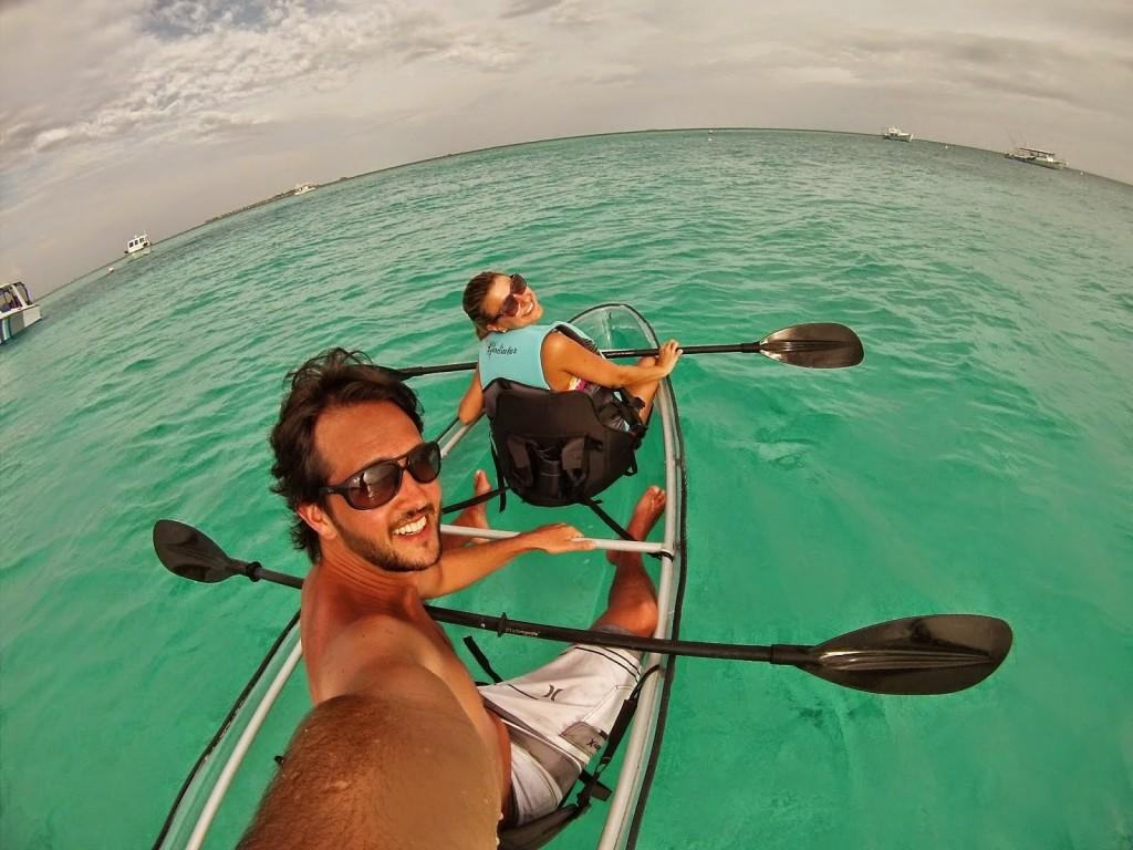 kayak transparente glass bottom velassaru resort hotel - dicas de viagem lua de mel nas ilhas maldivas
