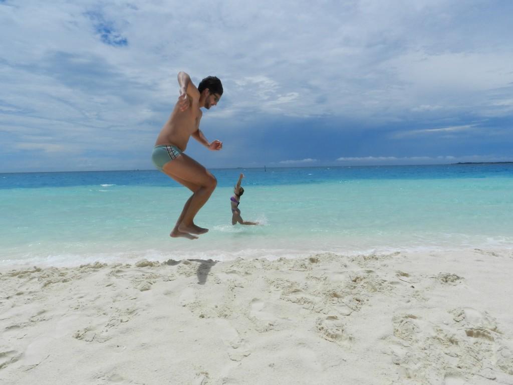 mar azul turquesa ilhas maldivas água quente
