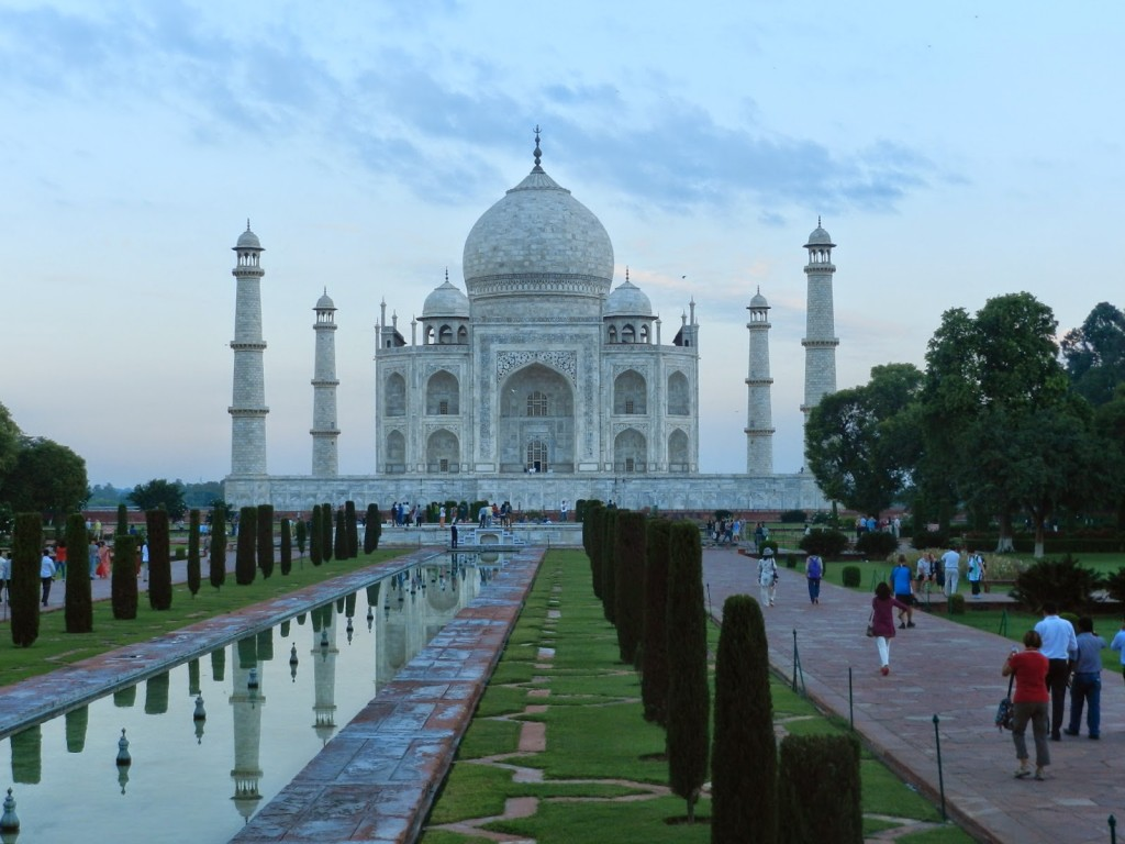 Amanhecendo... O Taj ainda acinzentado