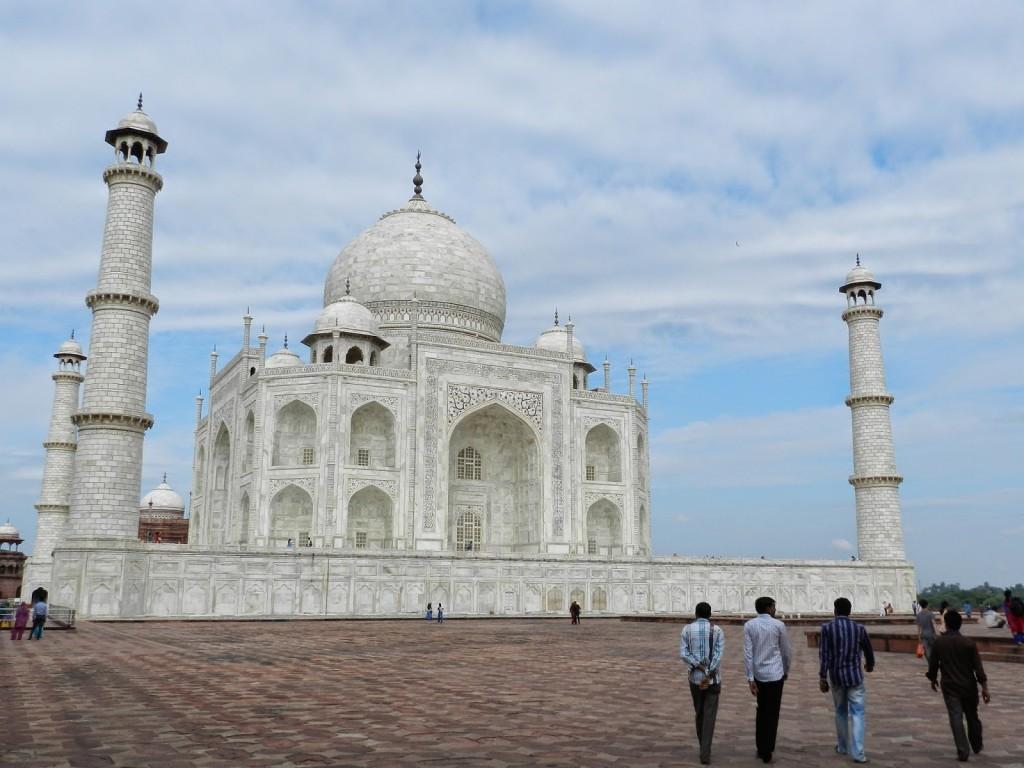 O Taj visto de outro ângulo (lateral)