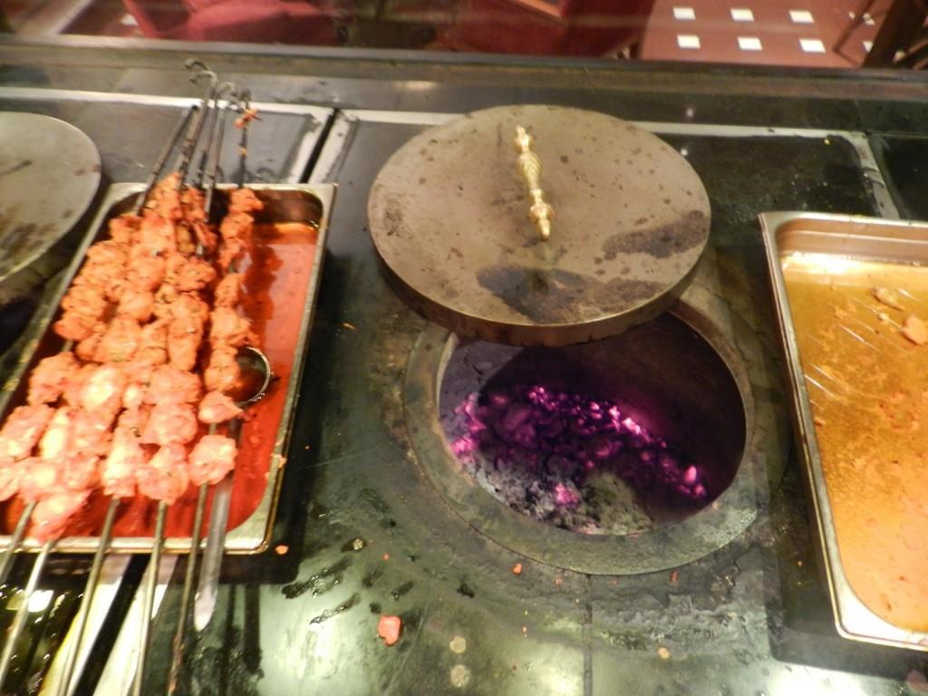 Forno Tandoor no Restaurante Estephahan