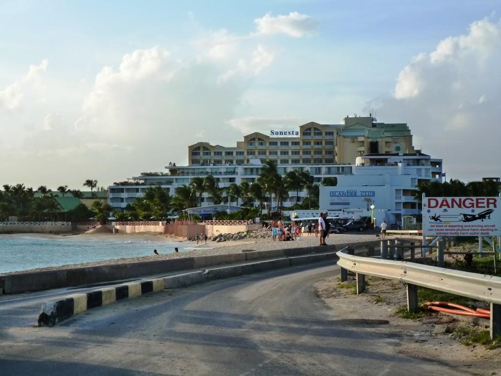 06 SONESTA MAHO BEACH praia avioes lado holandes - onde ficar em St. Maarten e St. Martin - dicas de viagem Caribe