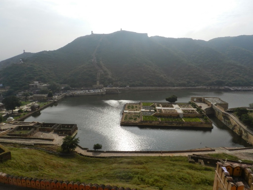Maota Lake and Garden, Amber Fort