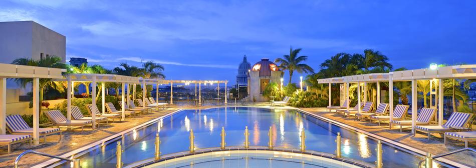 Piscina do Hotel Iberostar Parque Central em Havana - Cuba