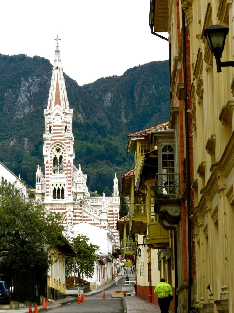 13 Iglesia Nuestra Señora del Carmen - Centro Candelaria - turismo em bogota - dicas de viagem colombia