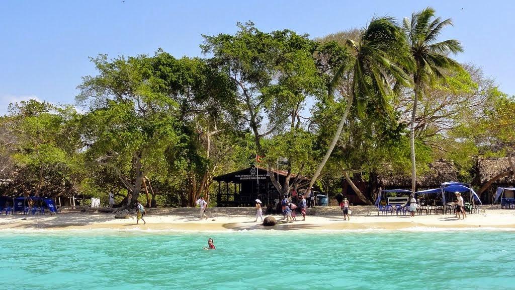 25 CARTAGENA ISLA BARU PLAYA BLANCA - turismo em bogota - dicas de viagem colombia