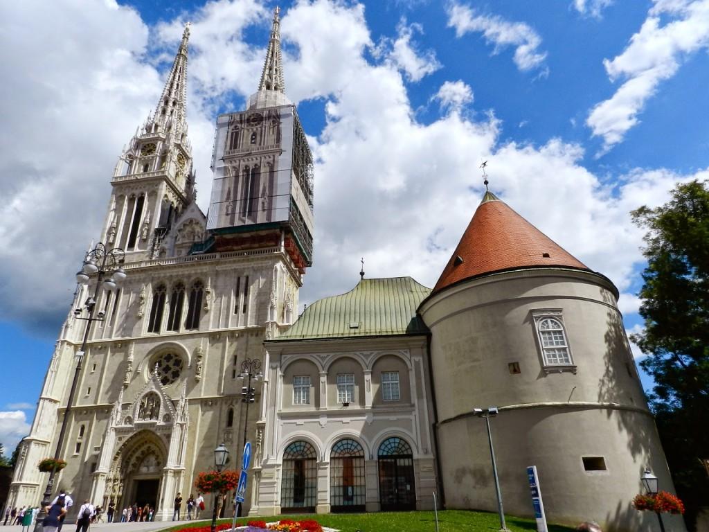 Catedral da Assunção da Sagrada Virgem Maria e o Palácio do Arcebispo (pena que estava em obras no dia da nossa visita!)