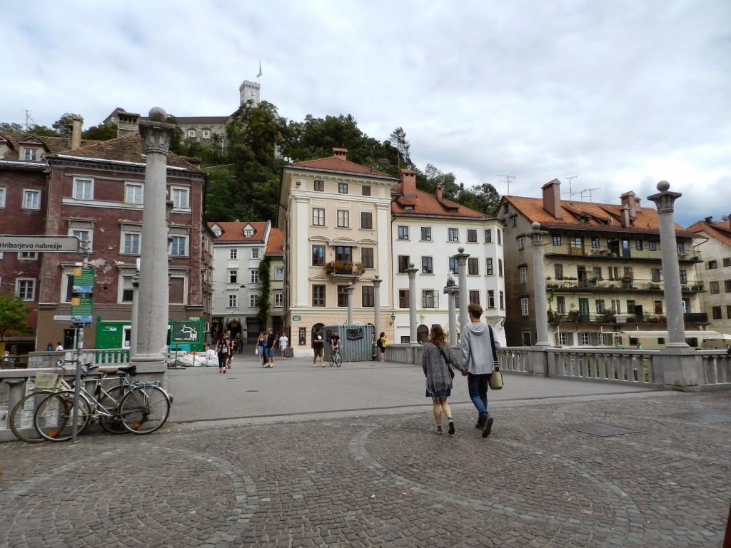 07 ponte Cobbler's Bridge or Shoemaker's Bridge - Cevljarski Most - Rio Ljubljanica - o que fazer em ljubljana eslovenia - dicas de viagem