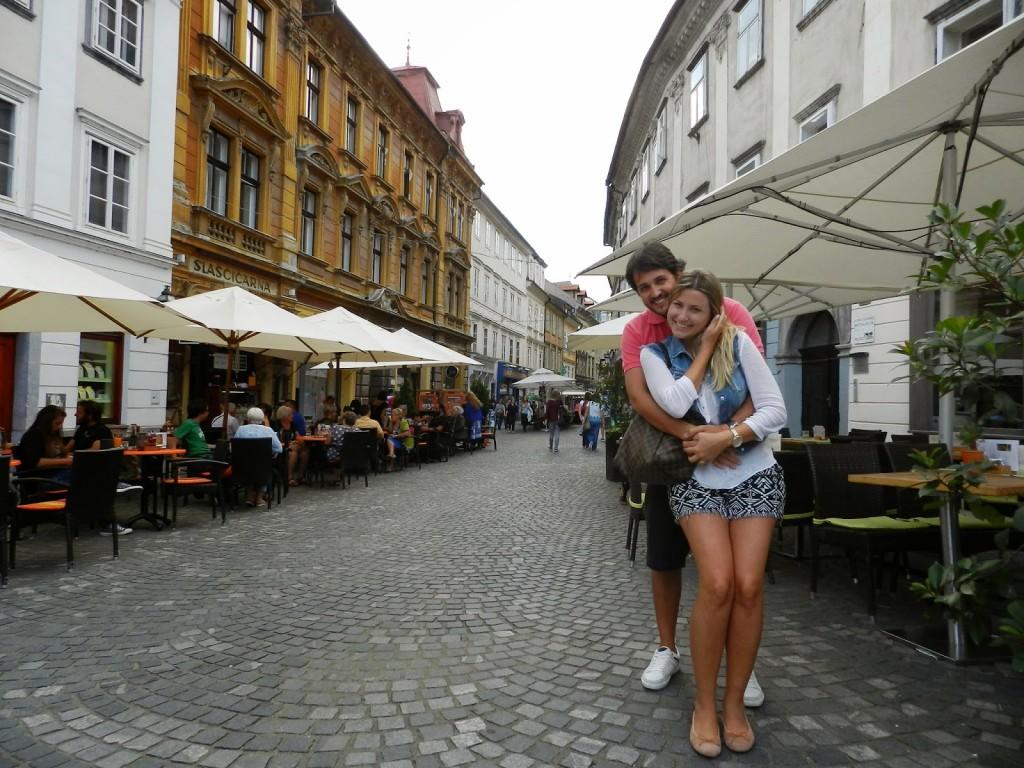 11 restaurantes ljubljana eslovenia - STARI TRG street rua - dicas de viagem