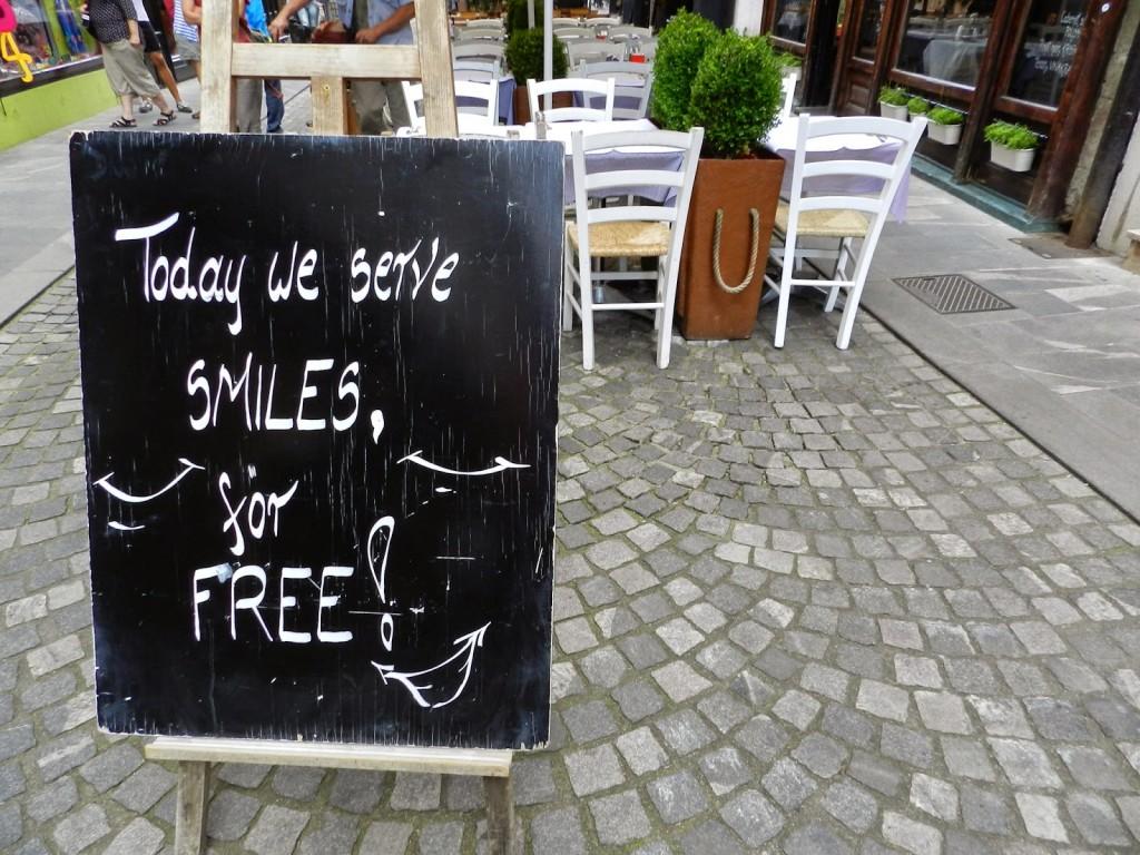 12 restaurantes ljubljana eslovenia - STARI TRG street rua - dicas de viagem