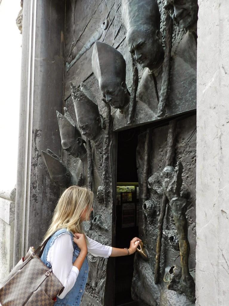 14 Catedral Saint Nicholas - o que fazer em ljubljana eslovenia - dicas de viagem