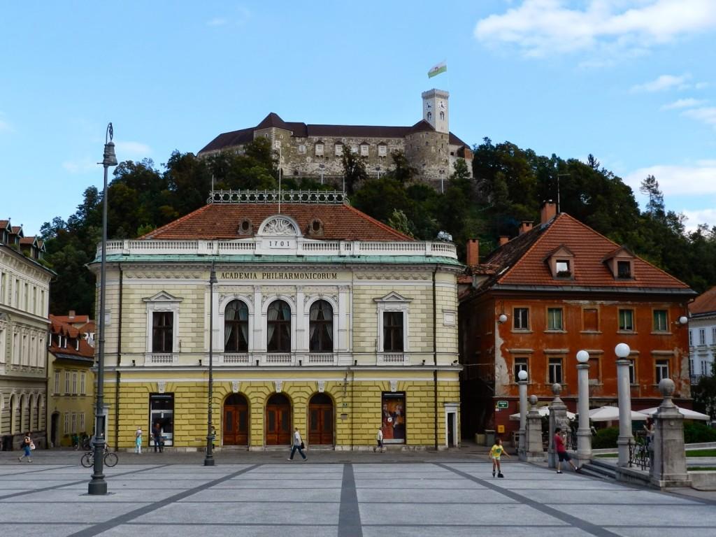15 Academia Philharmonicorum praça do congresso - o que fazer em ljubljana eslovenia - dicas de viagem