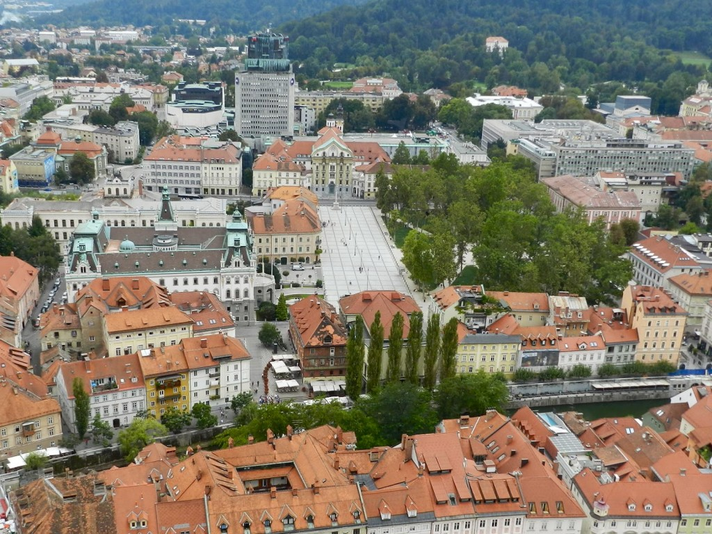 16 vista do castelo praça do congresso - o que fazer em ljubljana eslovenia - dicas de viagem