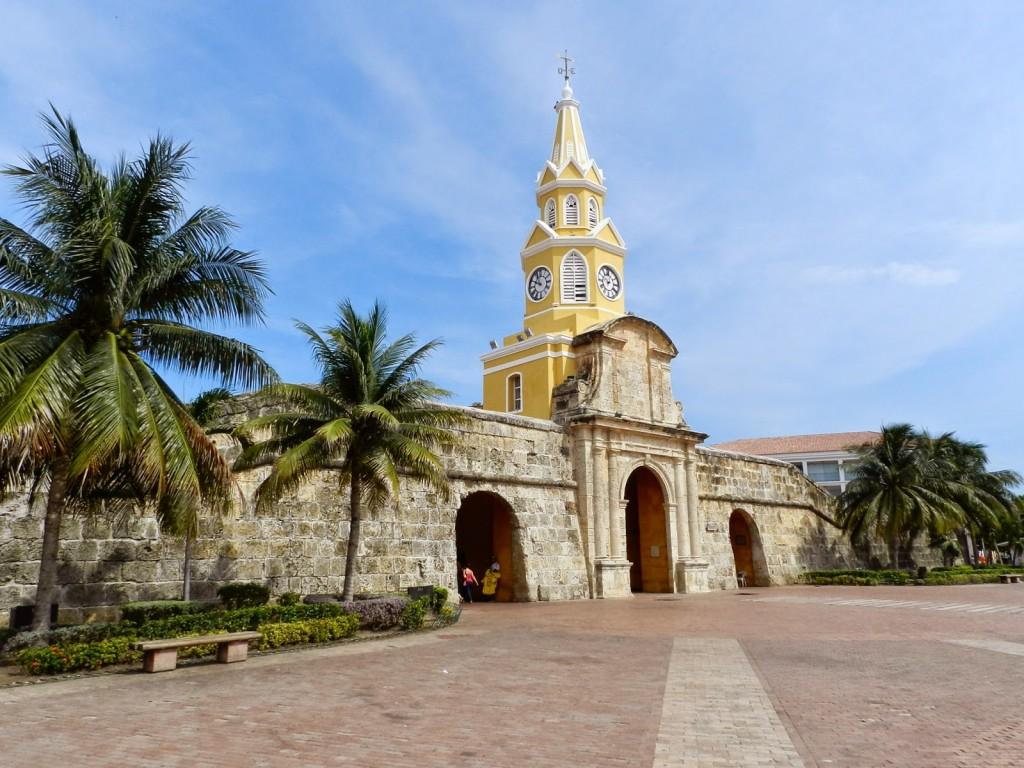 02 Torre do relogio cidade murada amuralhada fortificada centro historico - Turismo tour guiado cartagena das indias colombia dicas de viagem o que fazer passeios roteiros