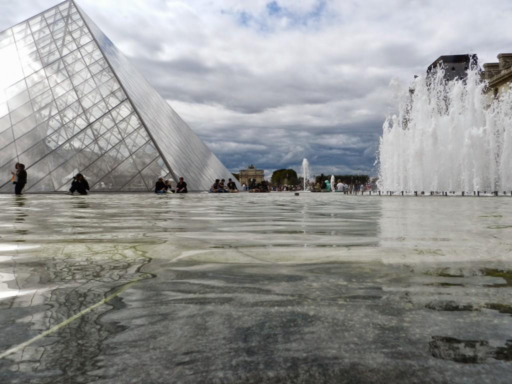 04 PASSEIO 01 Louvre museu e piramides - dicas o que fazer em paris roteiros de viagem