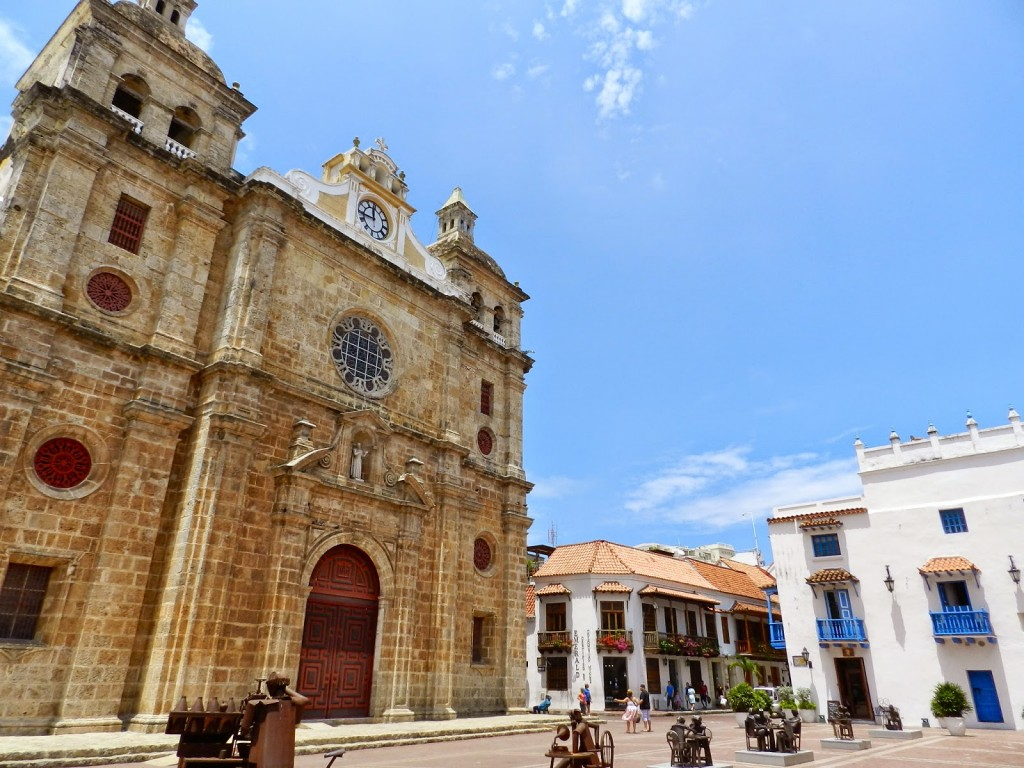 05 Plaza praça de san pedro clever igreja - cidade murada amuralhada fortificada centro historico - Turismo tour guiado cartagena das indias colombia dicas de viagem o que fazer passeios roteiros