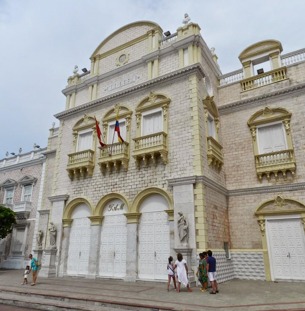 14 teatro heredia - cidade murada amuralhada fortificada centro historico - Turismo tour guiado cartagena das indias colombia dicas de viagem o que fazer passeios roteiros