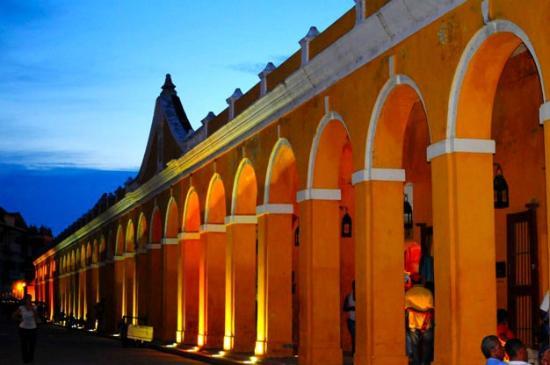 15 las bovedas de santa claro lojas de artesanato - cidade murada amuralhada fortificada centro historico - Turismo tour guiado cartagena das indias colombia dicas de viagem o que fazer passeios roteiros