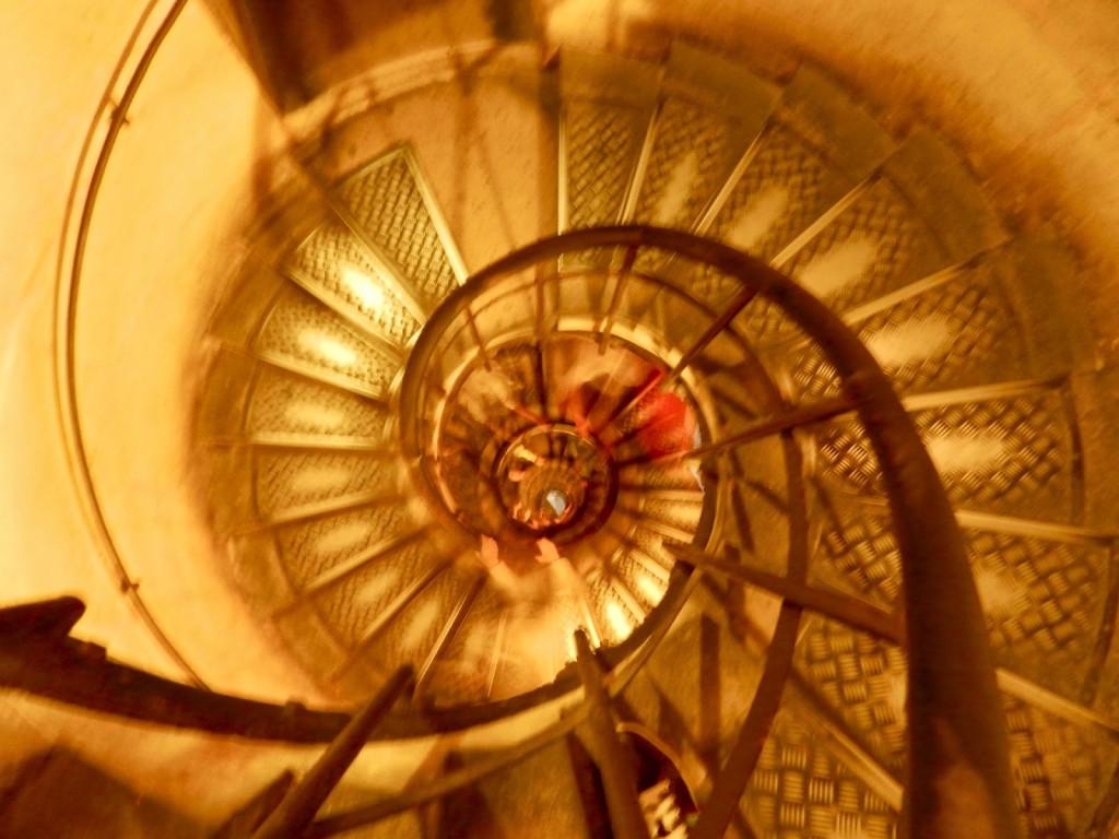 Escada para chegar no topo do Arco. Preparem as pernas!!!