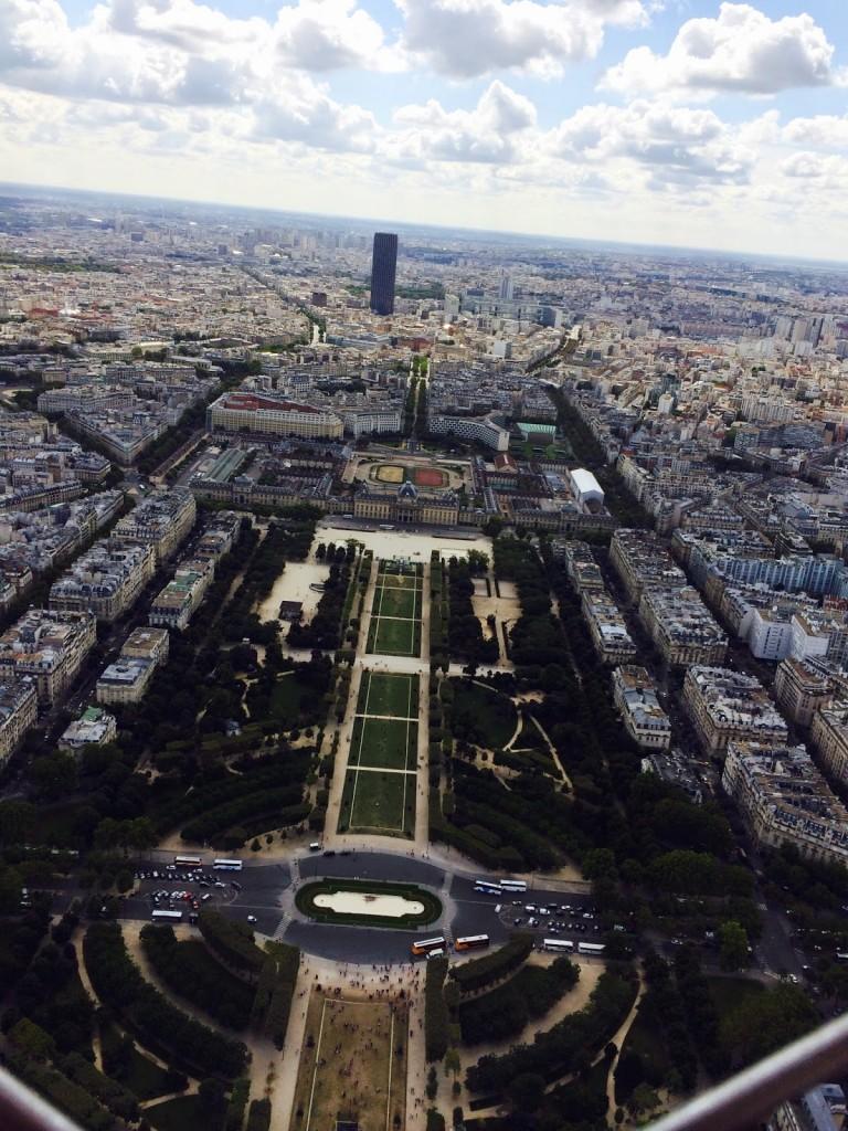 Paris vista do TOPO da Torre Eiffel | Mais uma foto da Teca Machado :)
