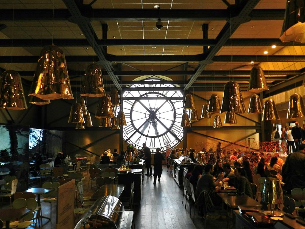 Café Campana no Musée d'Orsay (projetado pelos irmãos Campana, brasileiros)