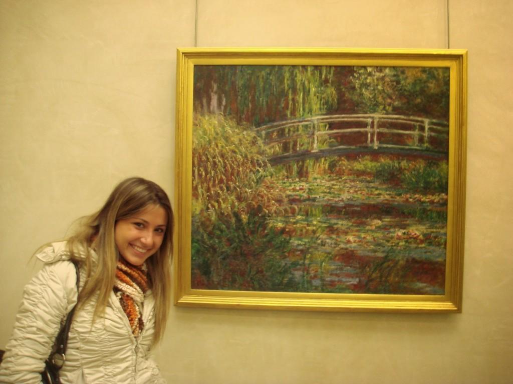 Toda feliz ao lado de um Monet :)