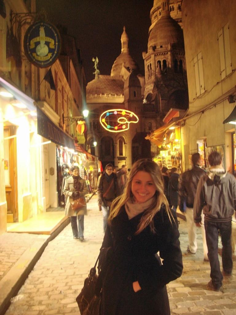 74 PASSEIO 05 Place du tertre - Montmartre Moulin rouge amelie poulin cafe des deux moulin INVERNO noite luzes frio neve - dicas o que fazer em paris roteiros de viagem