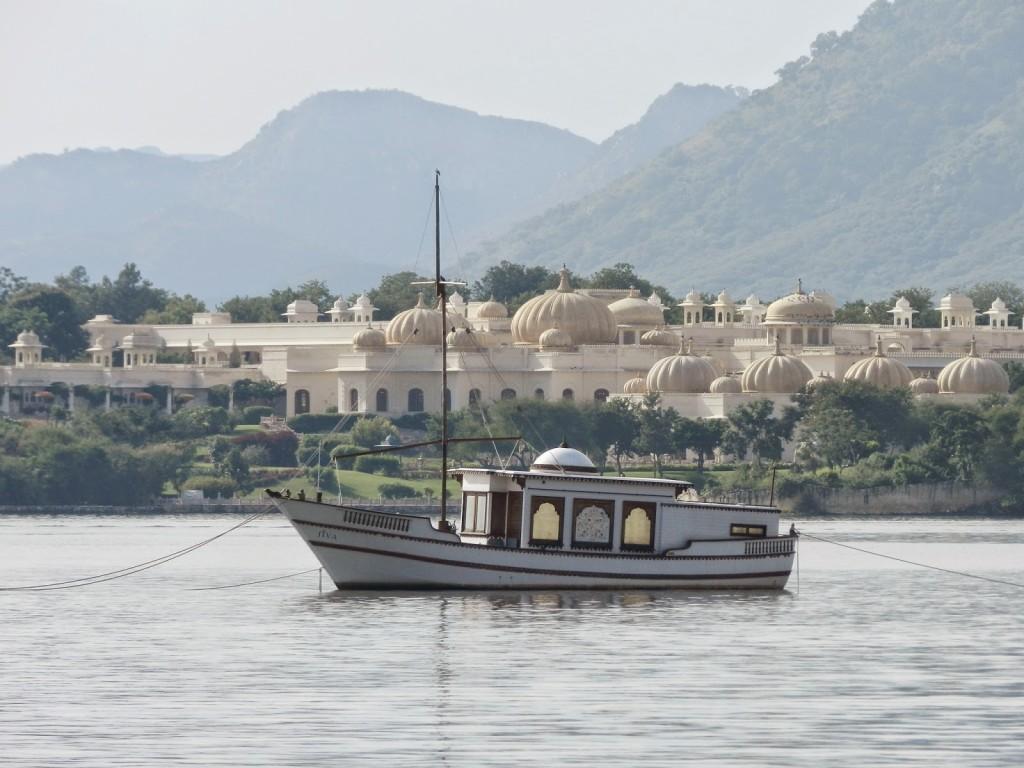 24 passeio de barco lago pichola udaipur india
