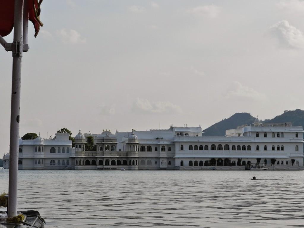 28 passeio de barco lago pichola udaipur india