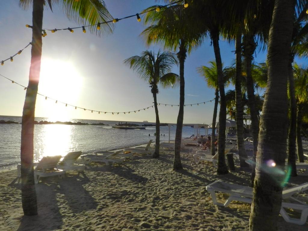 MAMBO BEACH club seaquarium cabana Curacao o que fazer dicas viagem praias 02