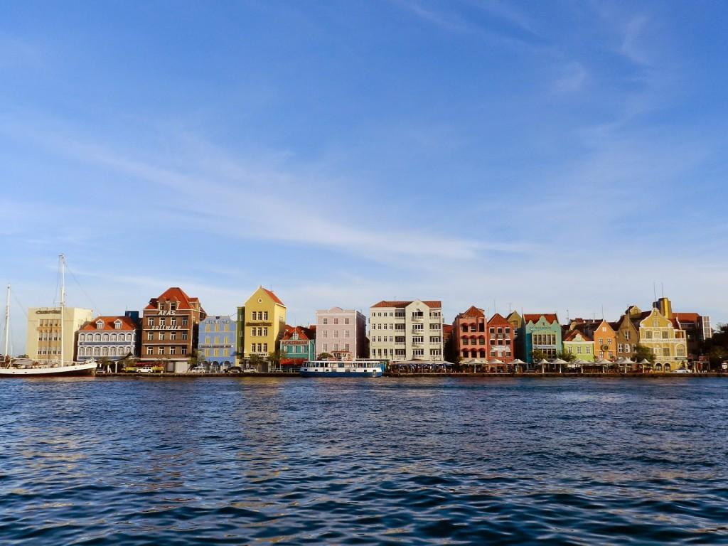dicas de curaçao - Willemstad PUNDA e OTROBANDA casinhas coloridas holandesas