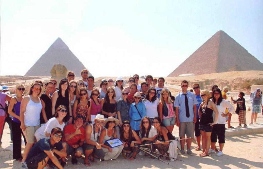 Grupo do Contiki (americanos, canadenses, australianos, mexicanos e duas brasileiras)