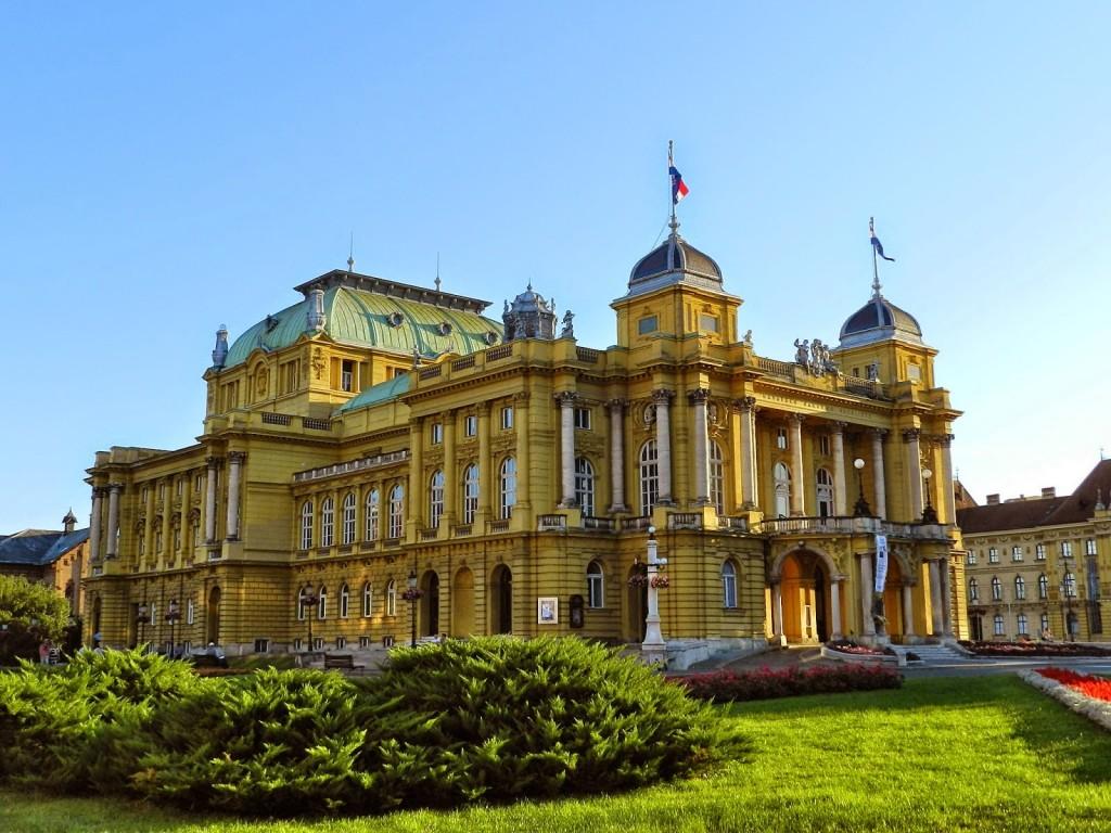 Teatro Nacional Croata, na Cidade Baixa, em Zagreb, Croácia
