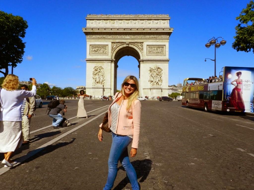 Arco do Triunfo, na Avenida Champs Elysées