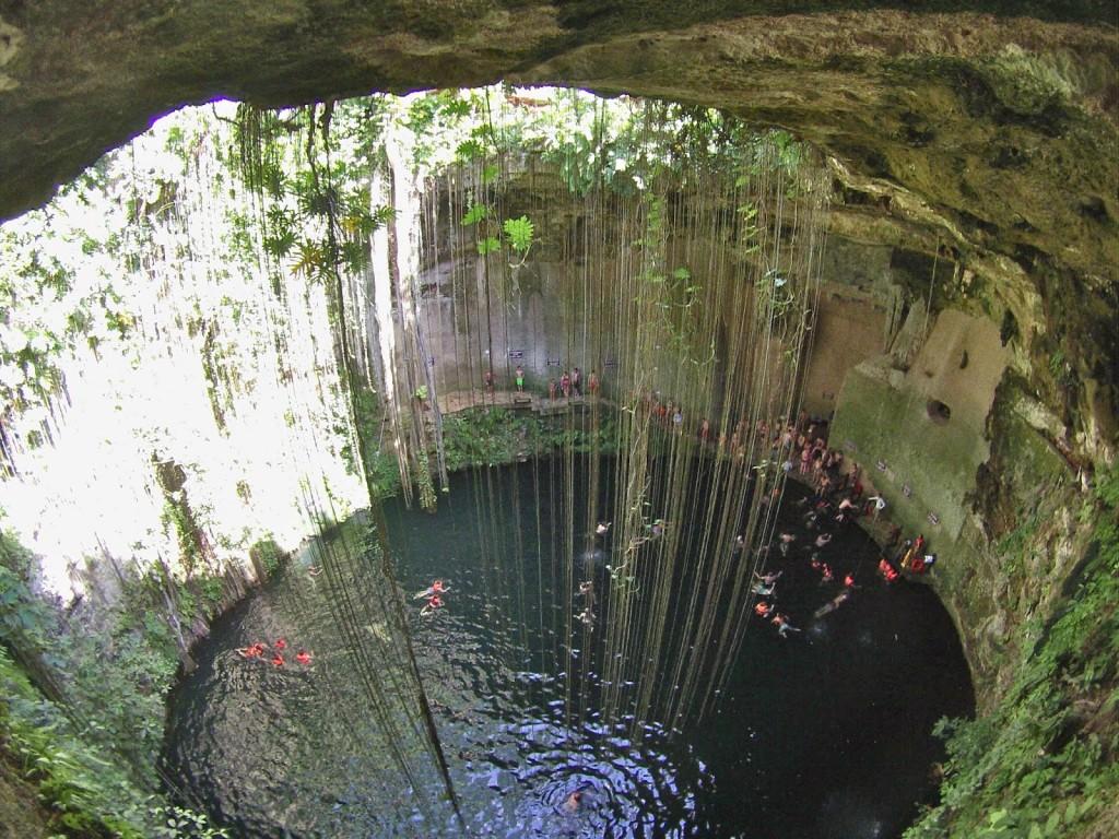 cenote ik kil mexico cancun chichen itza blog lalarebelo01