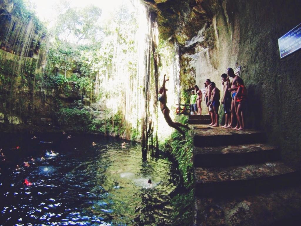 cenote ik kil mexico cancun chichen itza blog lalarebelo05