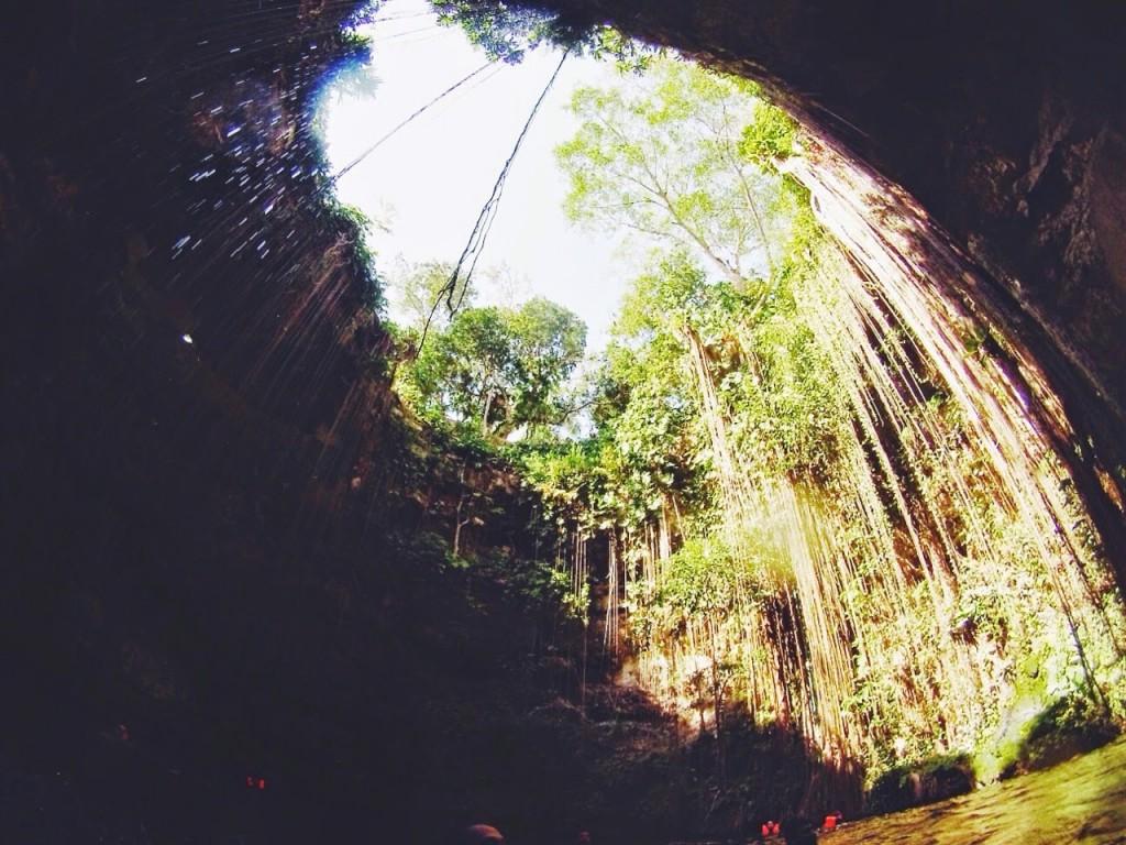 cenote ik kil mexico cancun chichen itza blog lalarebelo07