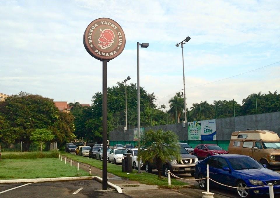 Balboa Yacht Club Panamá no Causeway de Amador - de onde parte o ferry Sea Las Perlas
