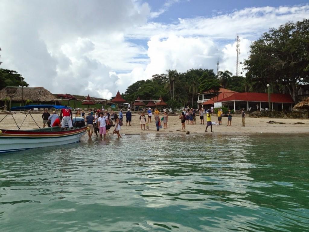 Playa Galeon nos horários de chegada/saída das balsas (de manhã cedo e no fim da tarde)
