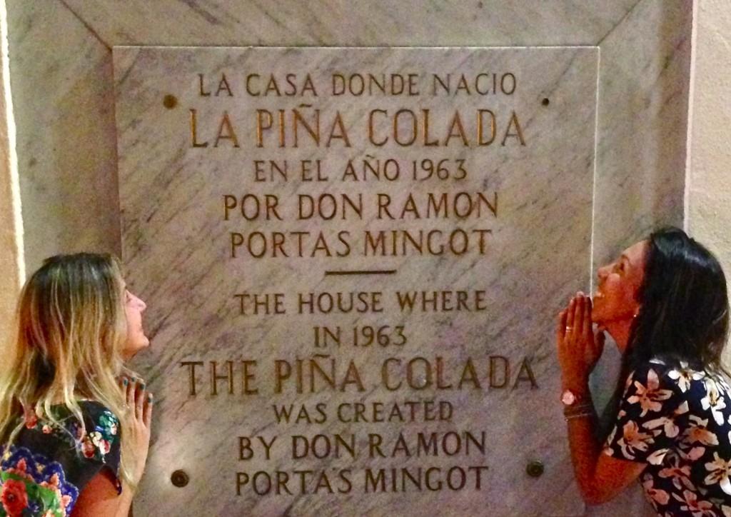 Reverenciando o inventor da Piña Colada!