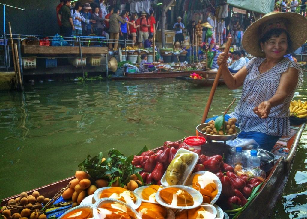 dicas de bangkok tailandia - Mercado Flutuante Damnoen Saduak perto de Bangkok