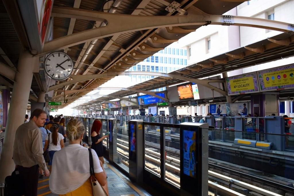 09 metro skytrain bts mrt bangkok tailandia