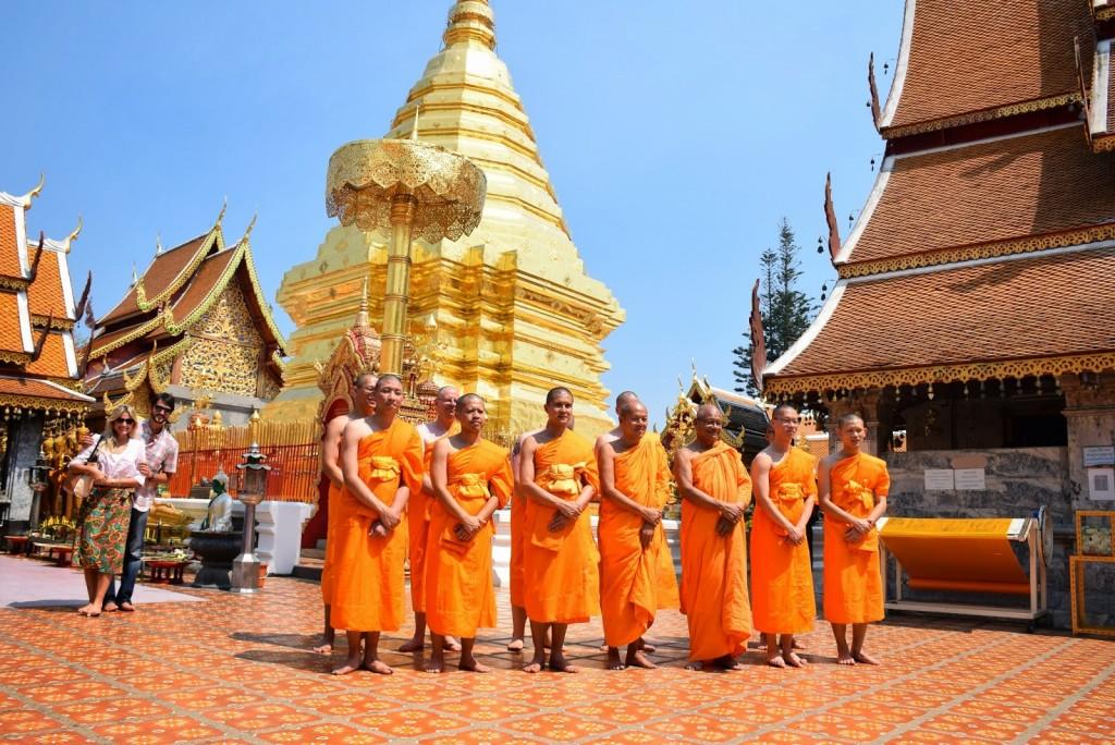 13monges budistas tailandia dicas viagem chiang mai templo doi suthep 01