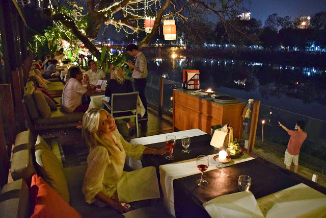 19 restaurant Deck 1 riverfront riverside ping river chiang mai tailandia