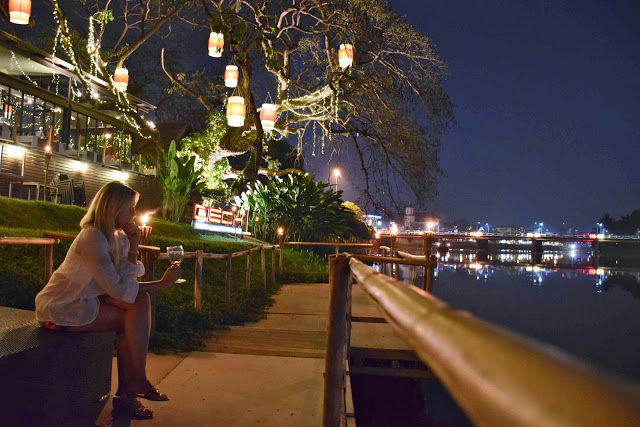 24 restaurant Deck 1 riverfront riverside ping river chiang mai tailandia