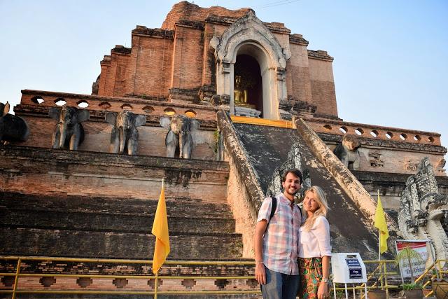 27 wat chedi luang old city temple - chiang mai tailandia