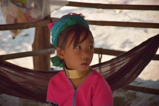54 Baan Tong Luang Village - hill tribes - TRIBO DAS MULHERES GIRAFA - KAREN PADONG LONG NECK - chiang mai tailandia