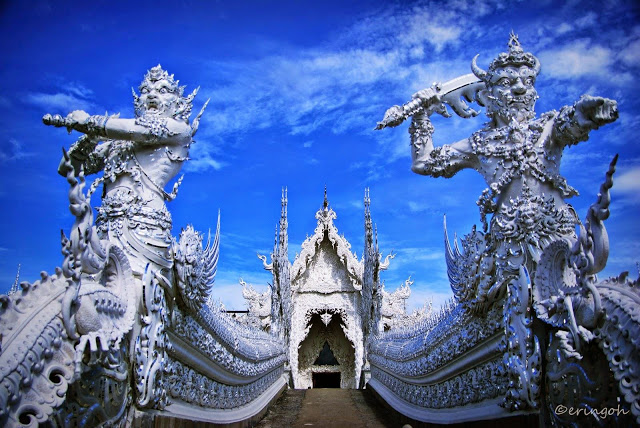 Wat Rong Khun (White Temple) | foto: tiaurus.info