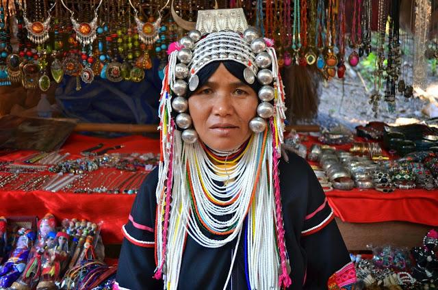 Mulher da tribo Akha | foto: thefabweb.com