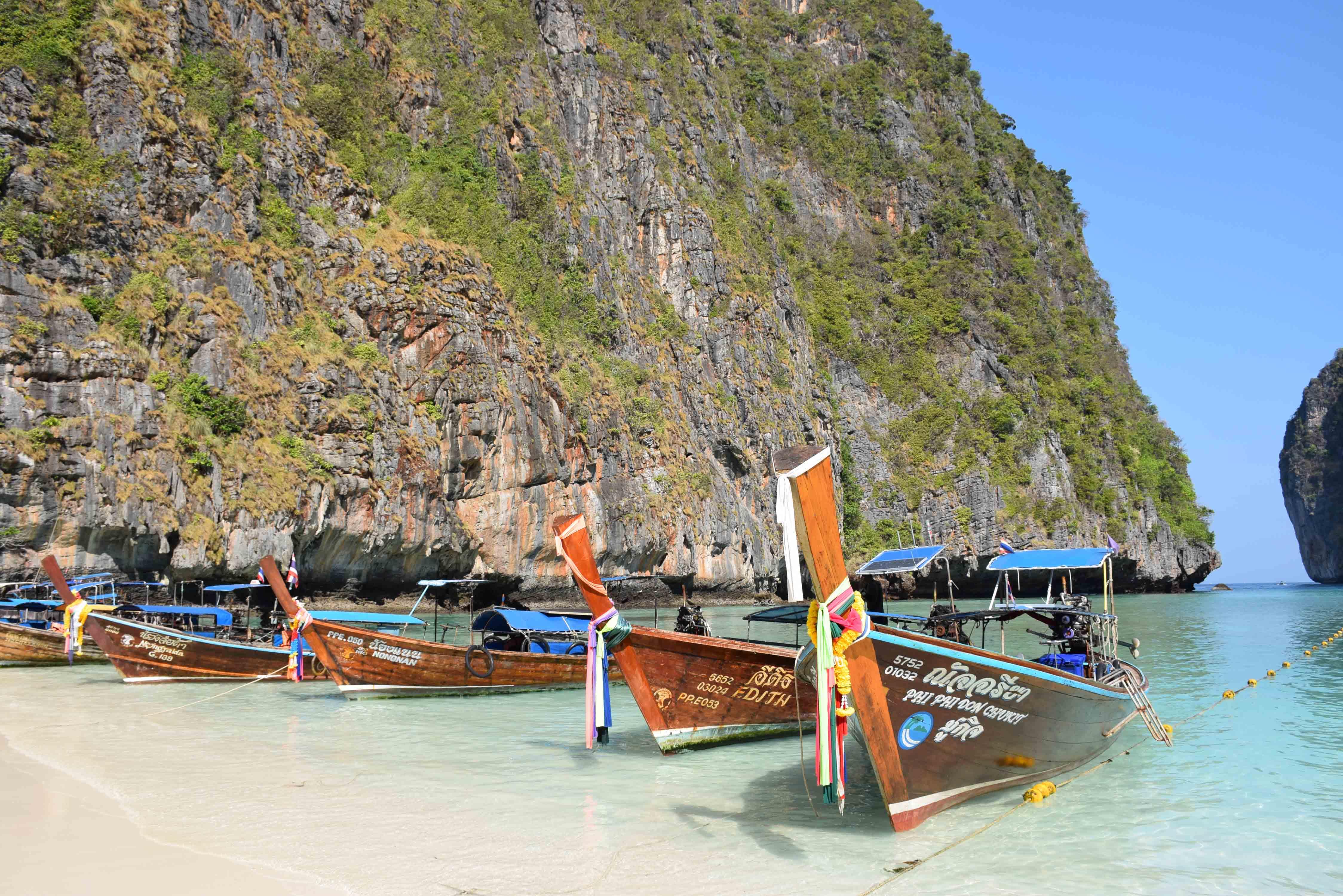 RAILAY BEACH KRABI THAILAND RAYAVADEE